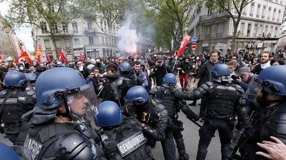 Полицейские Франции