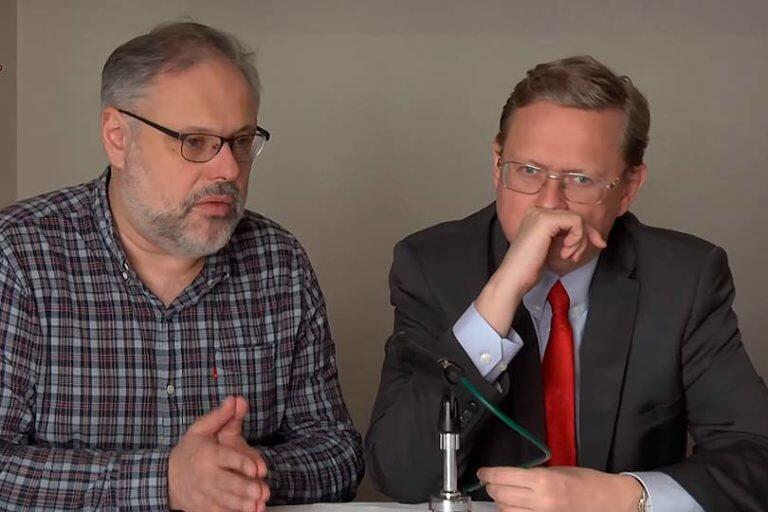 И Делягин, и Хазин, и некоторые другие политологи предполагают, что в России готовится либеральный переворот