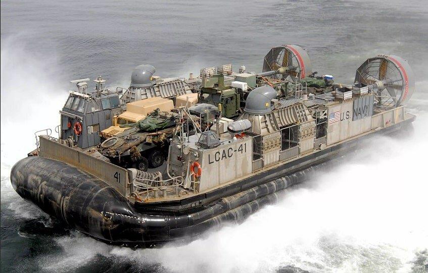 Десантные корабли США