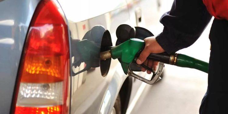 Бензин на заправке