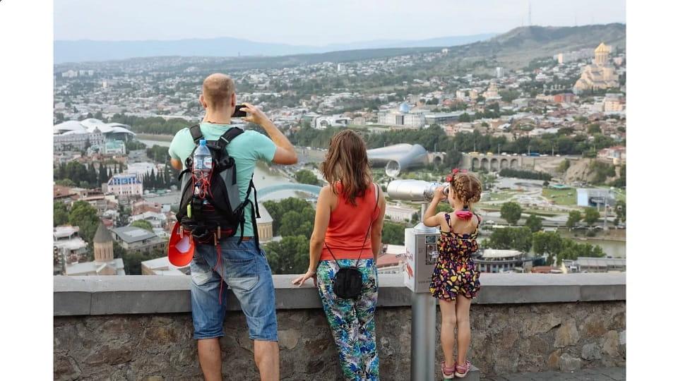 Российские туристы в Грузии