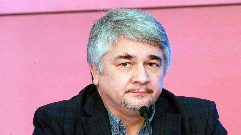 Ищенко заявил, что интегрироваться с Россией Луганская и Донецкая области будут в пределах своих границ