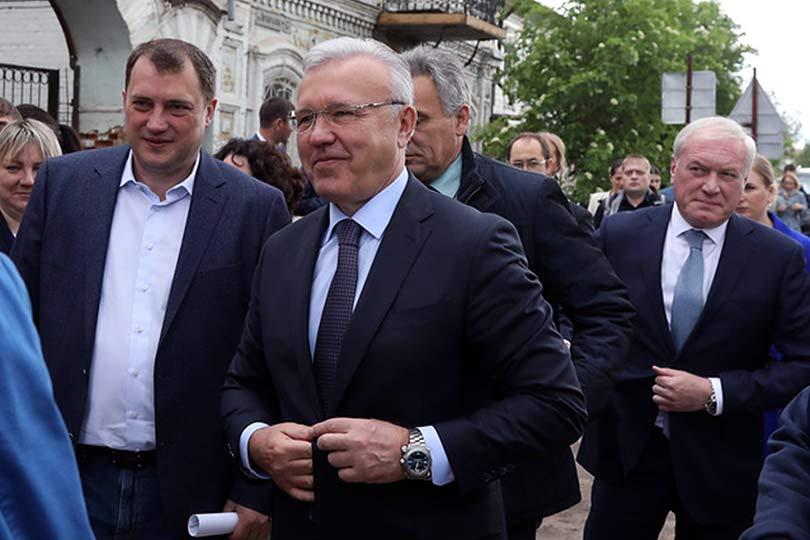 Губернатор Александр Усс