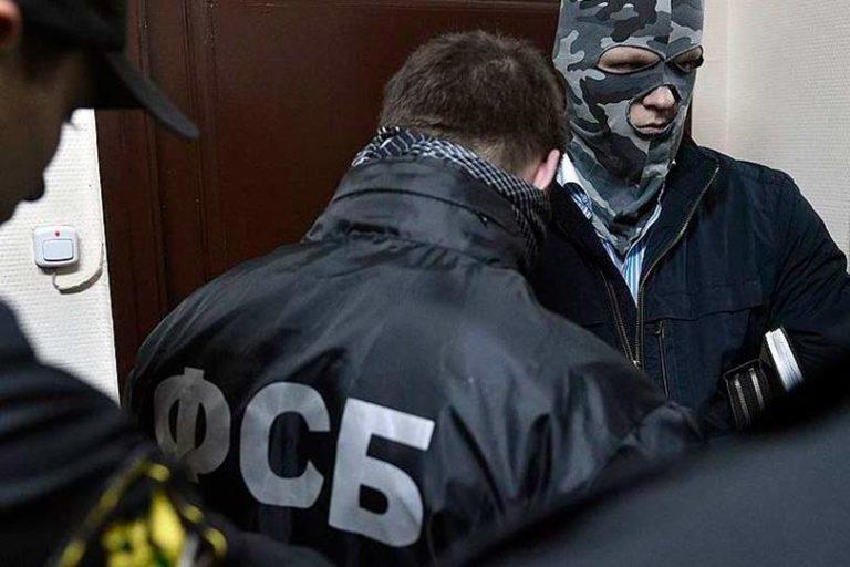 Слово рэкет вновь входит в обиход, офицеров ФСБ Сергея Богданова и Сергея Иванова арестовали за вымогательство
