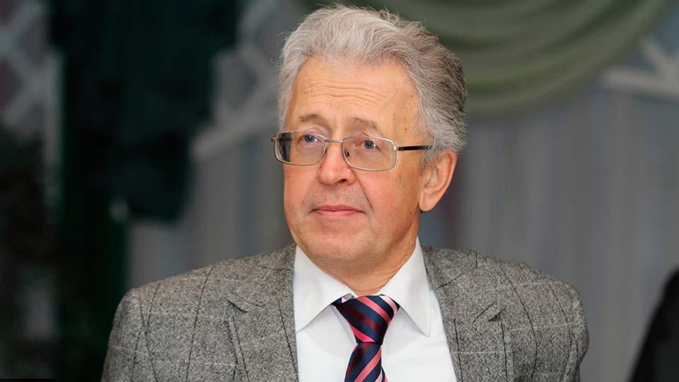 В.Катасонов