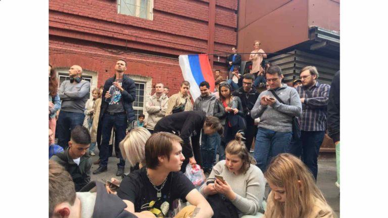 Оппозиции в Москве нужны беспорядки, стычки с полицией, а не согласованные с властями митинги
