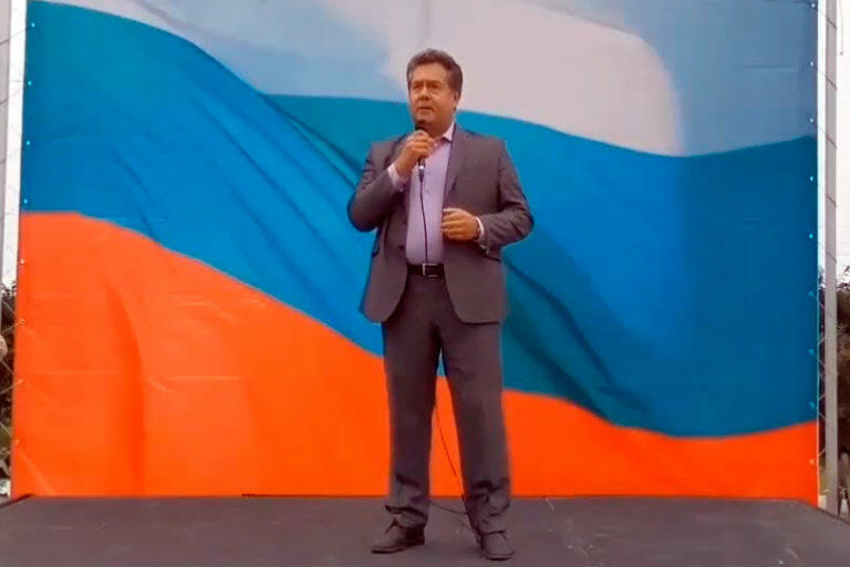 Сегодня день государственного флага России, кандидат в Госдуму от КПРФ Николай Платошкин высказал свое мнение