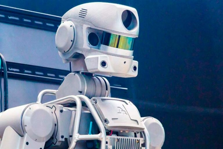 Робот «Федор» проведет  всю миссию на МКС в 17 дней без подзарядки