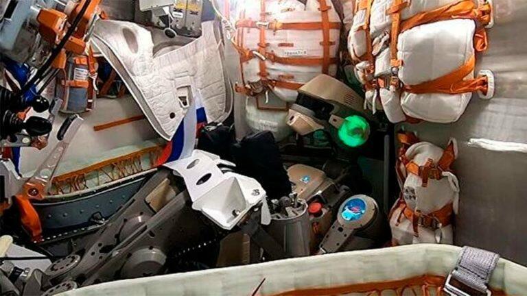 Робот «Федор» не смог пристыковать «Союз МС-14» к МКС ввиду неких колебаний, ранее не встречавшихся в природе