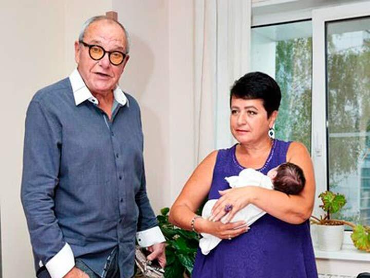 Эммануил, Ирина и дочь Клара Виторган