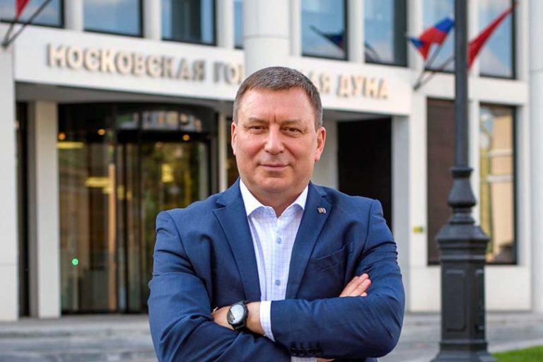 Политическое сафари на самого влиятельного единоросса Мосгордумы Андрея Метельского набирает обороты