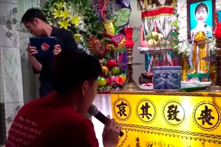Данг Тхиен Ан на похоронах своей невесты