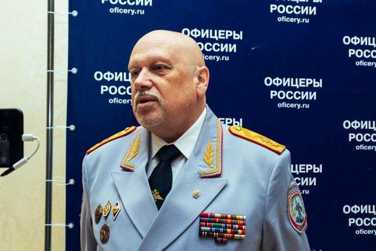 Отставной генерал ФСБ Михайлов рассказал о взаимосвязи коррупции, госизмены и двойного гражданства в России