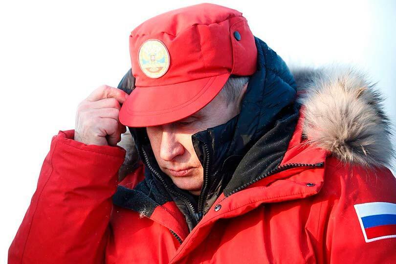 Путину укрывается от холода