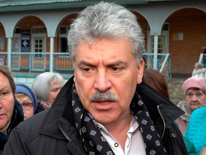 Атака на совхоз им. Ленина продолжается, арбитражный суд заблокировал акции Павла Грудинина