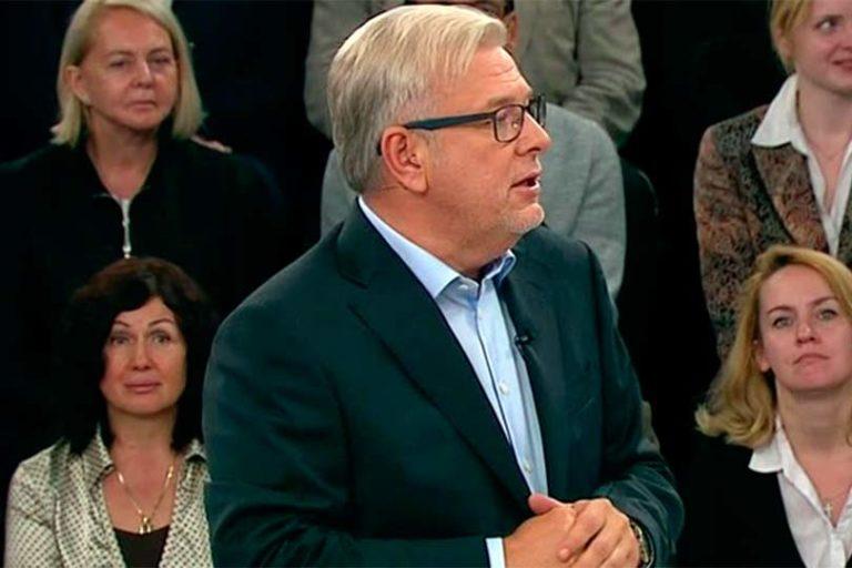 Куликов загрузил тяжелую ношу, вести на канале Россия 1 непопулярный проект «Кто против» с низким рейтингом