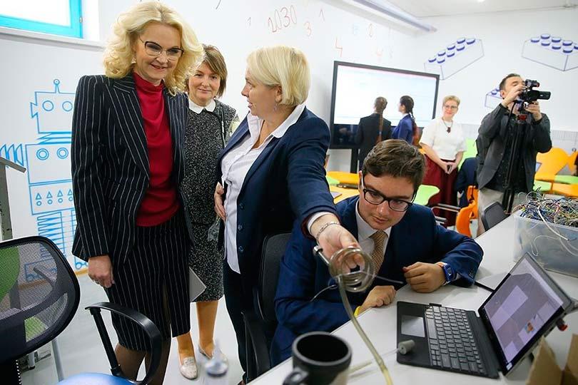 Татьяна Голикова в школе