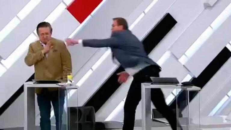 Серое и унылое ток-шоу «Кто против» украсилось дракой Грэга Вайнера и Василя Вакарова прямо в студии
