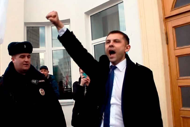 Депутат Олег Михайлов