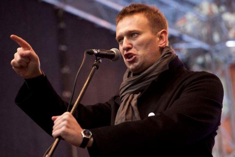 Навальный выступил с предложением, которое заинтересует 90% россиян, провести в России люстрацию чиновников