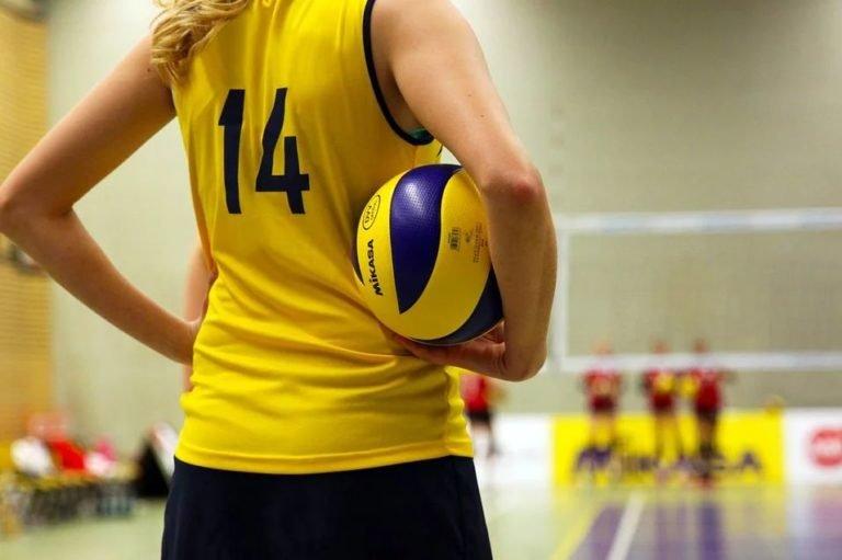 Власти Удмуртии уволили тренера, которая избивала юных волейболисток