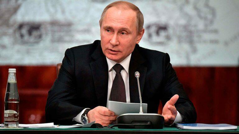 Президент Путин разнес чиновников, которые сорвали ввод в эксплуатацию первичных медпунктов на селе