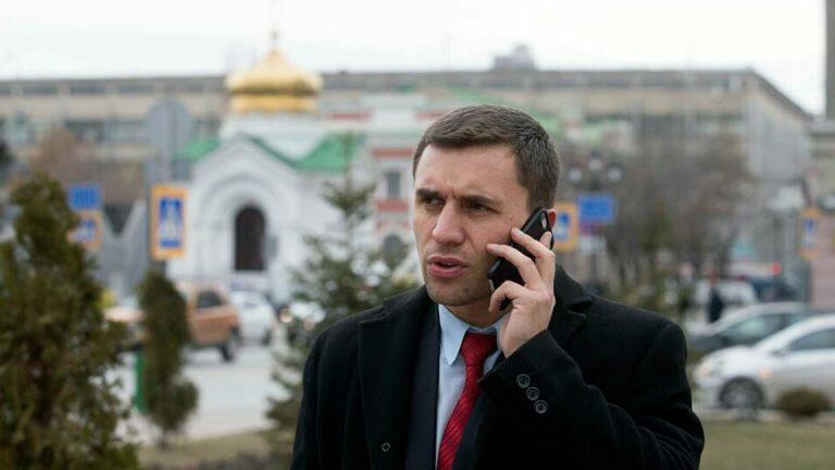 Бондаренко дал характеристику псевдо-патриотизму, которым правящий класс прикрывает банальную коррупцию