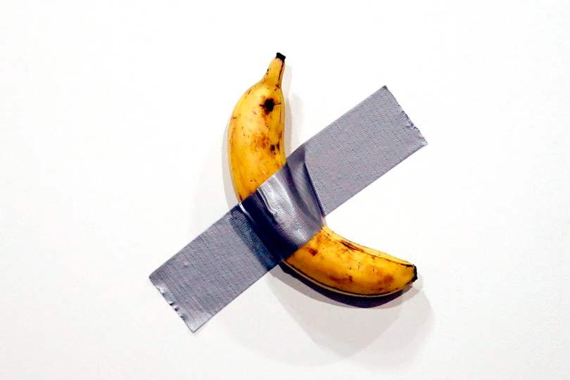 Банан в галерее за $120000