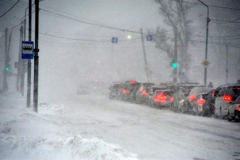Сильнейший циклон надвигается в понедельник на Сахалинскую область