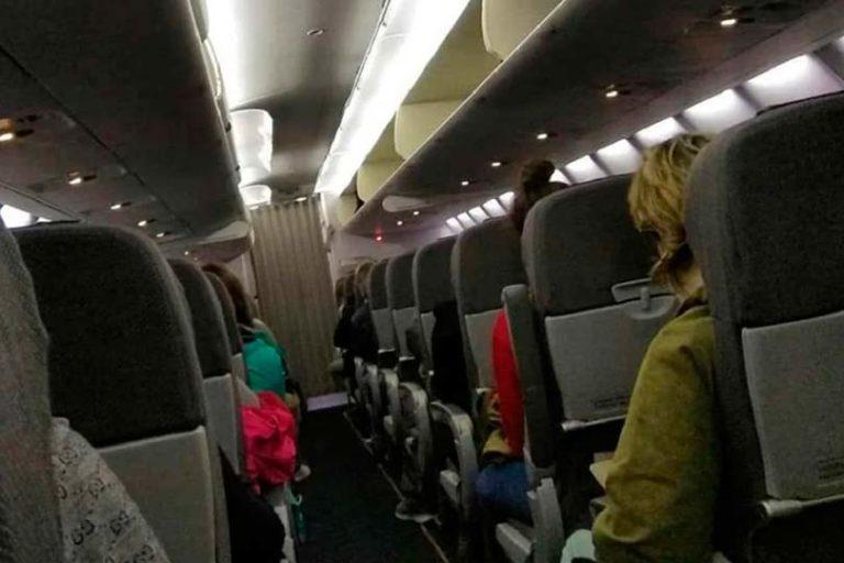 Неисправность самолета SSJ-100 не позволила ему подняться в небо и улететь из Челябинска в Москву