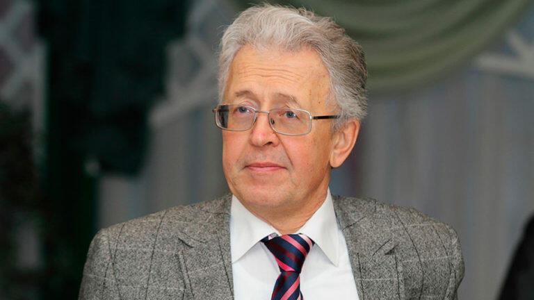 Катасонов предположил, что раз президент не затронул в своем послании ЦБ и Набиуллину, то все произошедшее спектакль