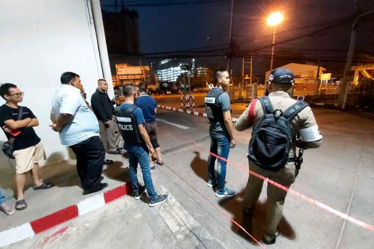 В Тайланде стрелок учинивший стрельбу в торговом центре убил 26 человек