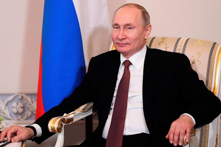 Мы наблюдаем становление «постпутинской» России, президент вроде жив и здоров, но его окружение уже растаскивает полномочия