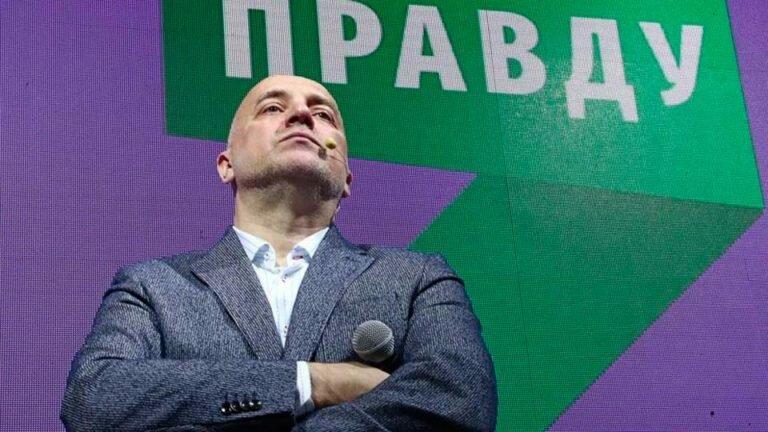 Глава партии «За правду» Прилепин предложил восстанавливать разрушенные церкви, но позабыл о заводах, школах и больницах