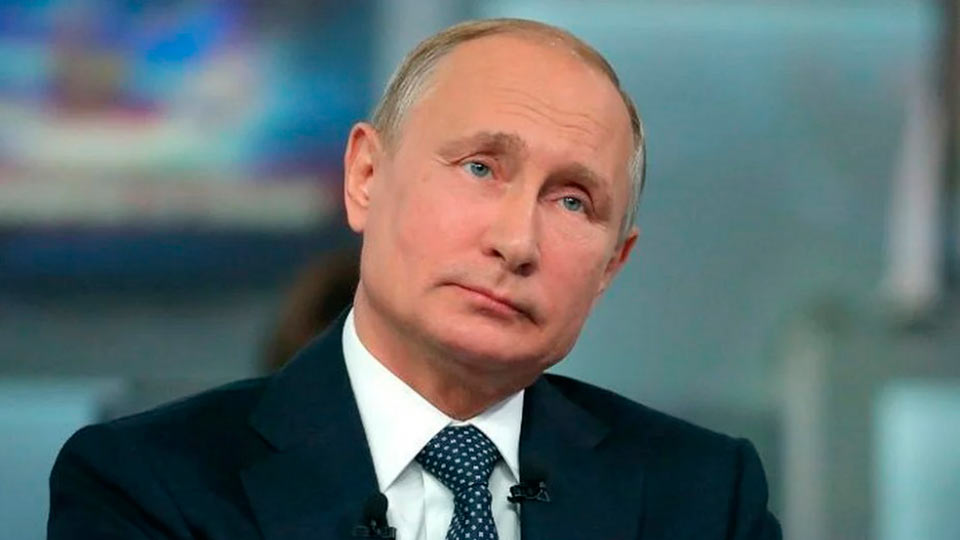Путин решил проголосовать по поправкам 22 апреля, чтобы день рождения Ленина переименовать в день Конституции