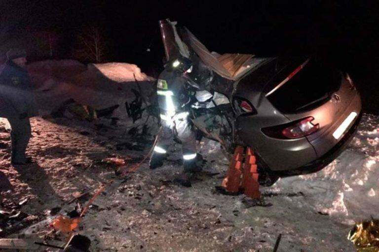 Шесть человек погибли в ДТП, которое произошло в Коми