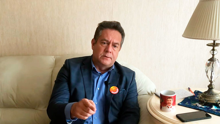 Николай Платошкин заявил, что власти становятся опасными для страны, а ЗВР хватит на 5 месяцев