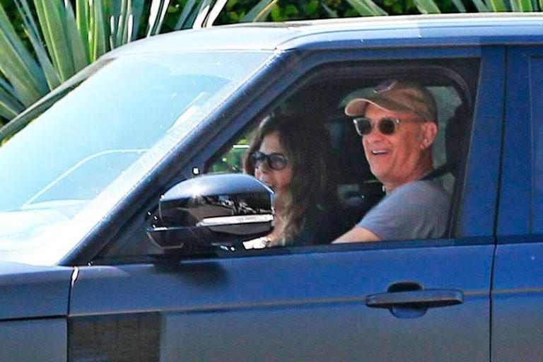 Известный актёр Том Хэнкс со своей супругой вернулись в США после карантина в Австралии