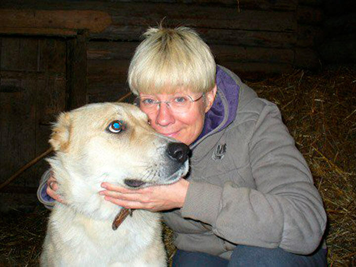 Илона Броневицкая с собакой