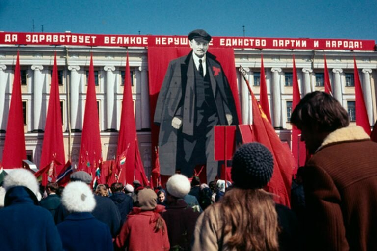 Советский Союз распался не зря, сегодня мы наблюдаем закат империализма, о котором шутили 30 лет назад