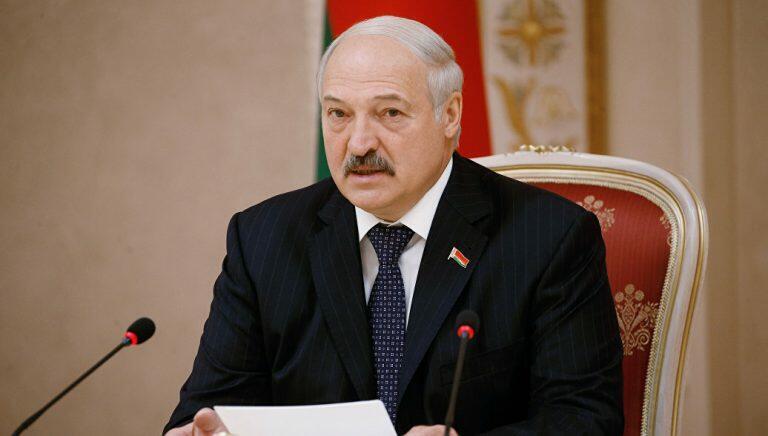Президент Белоруссии провел сравнение между числом умерших в его стране от коронавируса и от пьянства