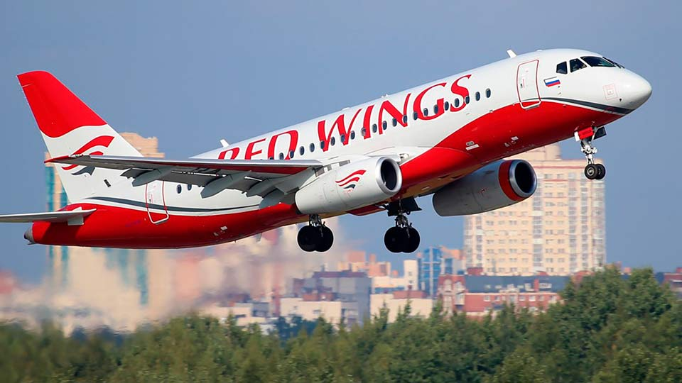SSJ 100 Red Wings