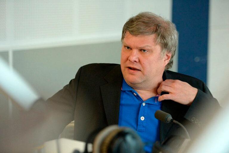 Депутат Мосгордумы Митрохин (Яблоко) призвал амнистировать заключенных к 75-летию победы в ВОВ