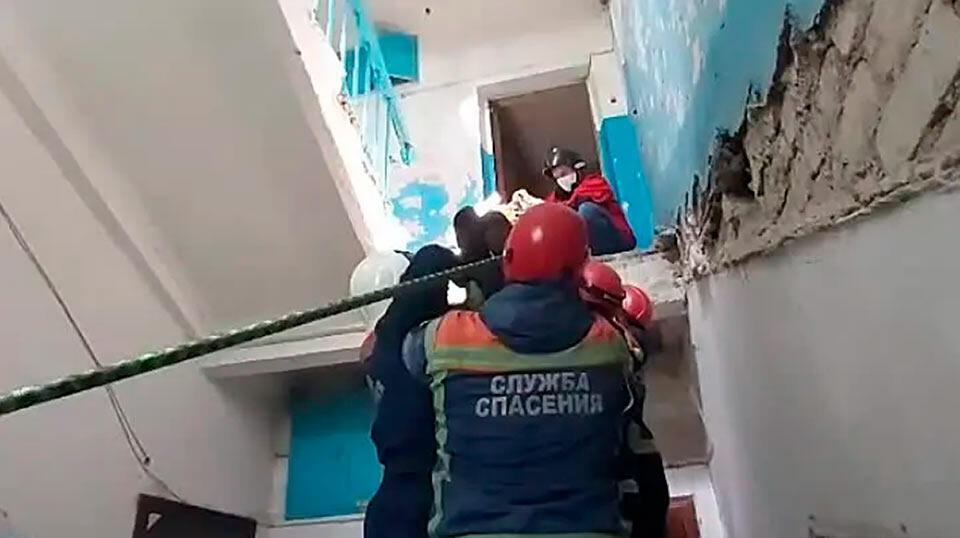 Обрушение лестницы в Энгельсе