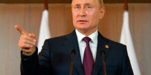 Путин заявил, что смешивать Парад Победы с голосованием поправкам не надо и оно пройдет 1 июля