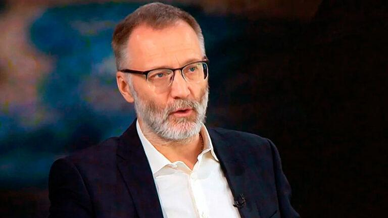 Михеев, член партии «За правду» критикует власть взвешенно и дозированно, но очевидно Грефа разрешили
