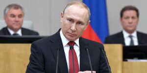 Президент Путин пообещал обеспечить всех россиян жильем за наш с вами счет к 2026 году