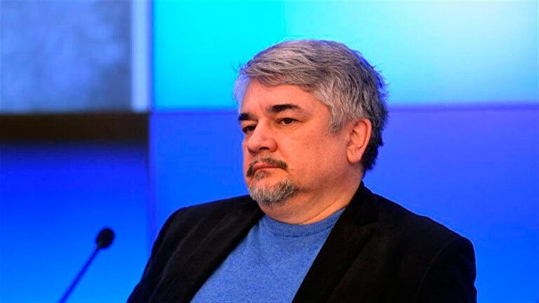 Ростислав Ищенко выступил в роли оракула и предсказал госпереворот на Украине уже этой осенью