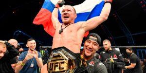 Российский боец Петр Ян одержал победу и завоевал пояс чемпиона UFC