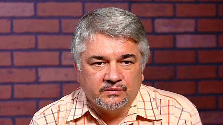 Ищенко заявил, что отказ Армении от российской военной базы может привести к тяжелым последствиям